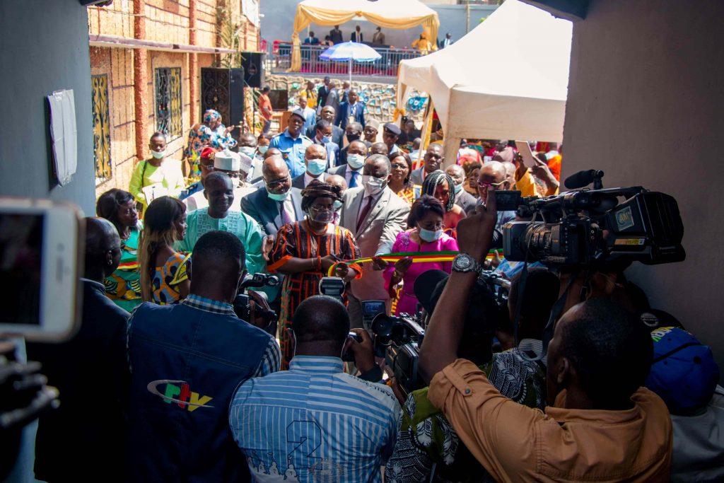 Inauguration du CMI (Coupure du ruban)